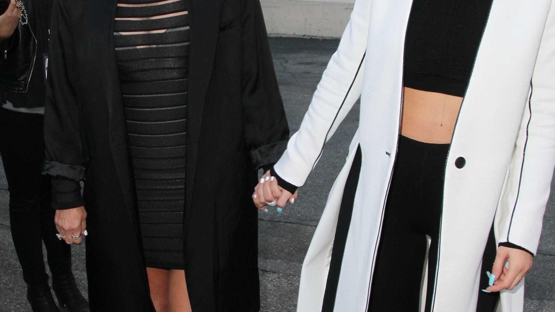 Kylie Jenner cortou o cabelo para ficar 'igual' à mãe?