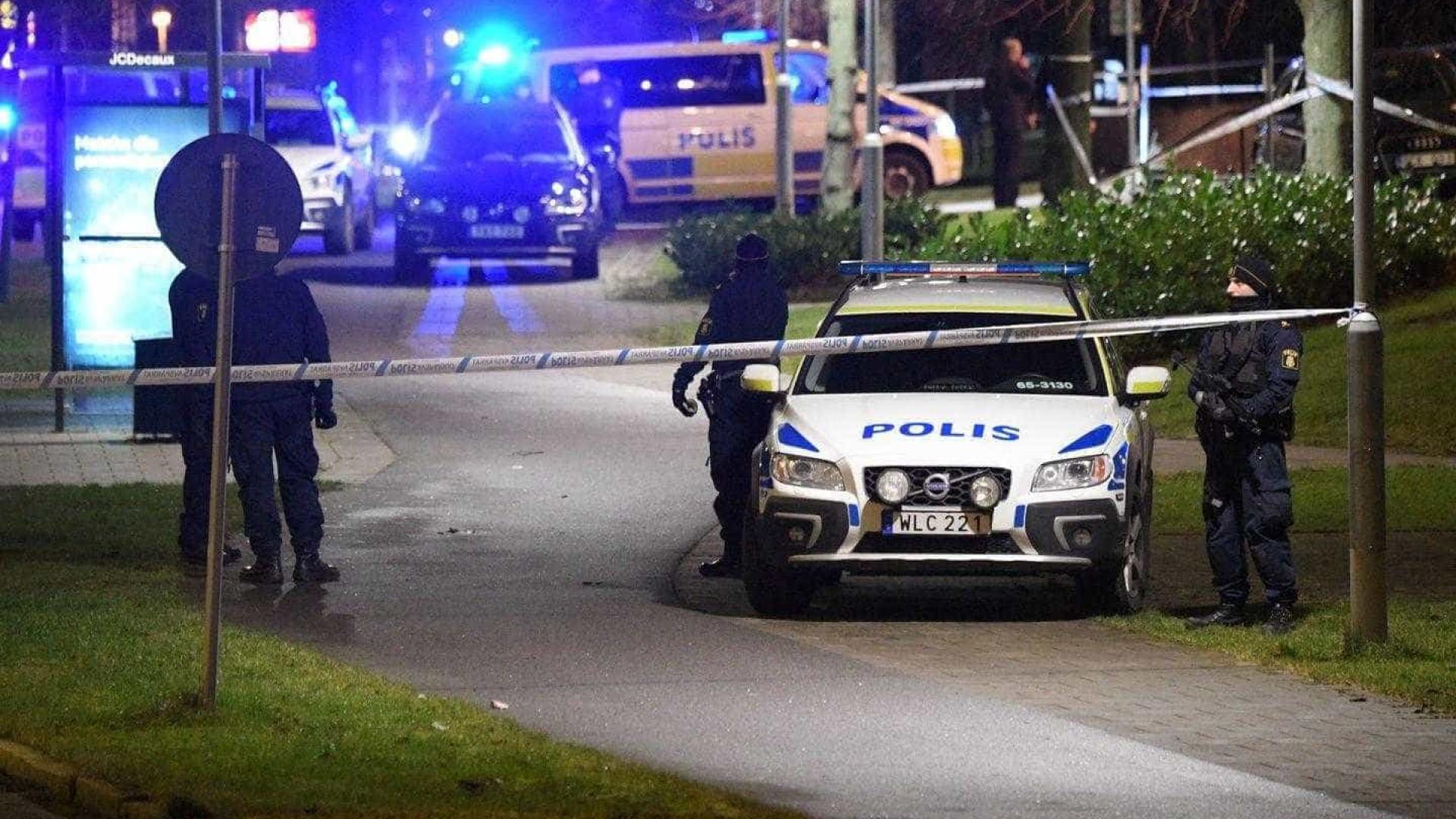 Explosão no exterior de esquadra de polícia sueca gera alerta