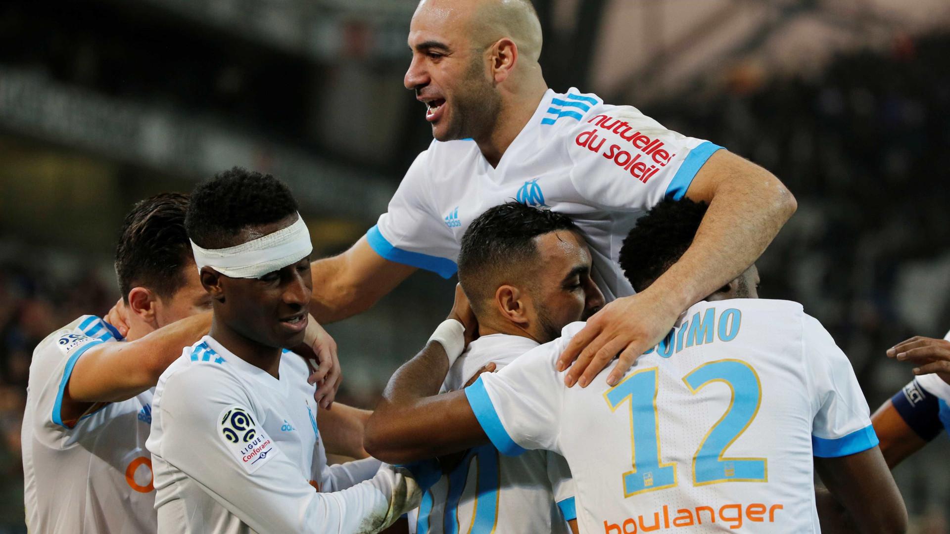Marselha vence em Caen e sobe a segundo em França