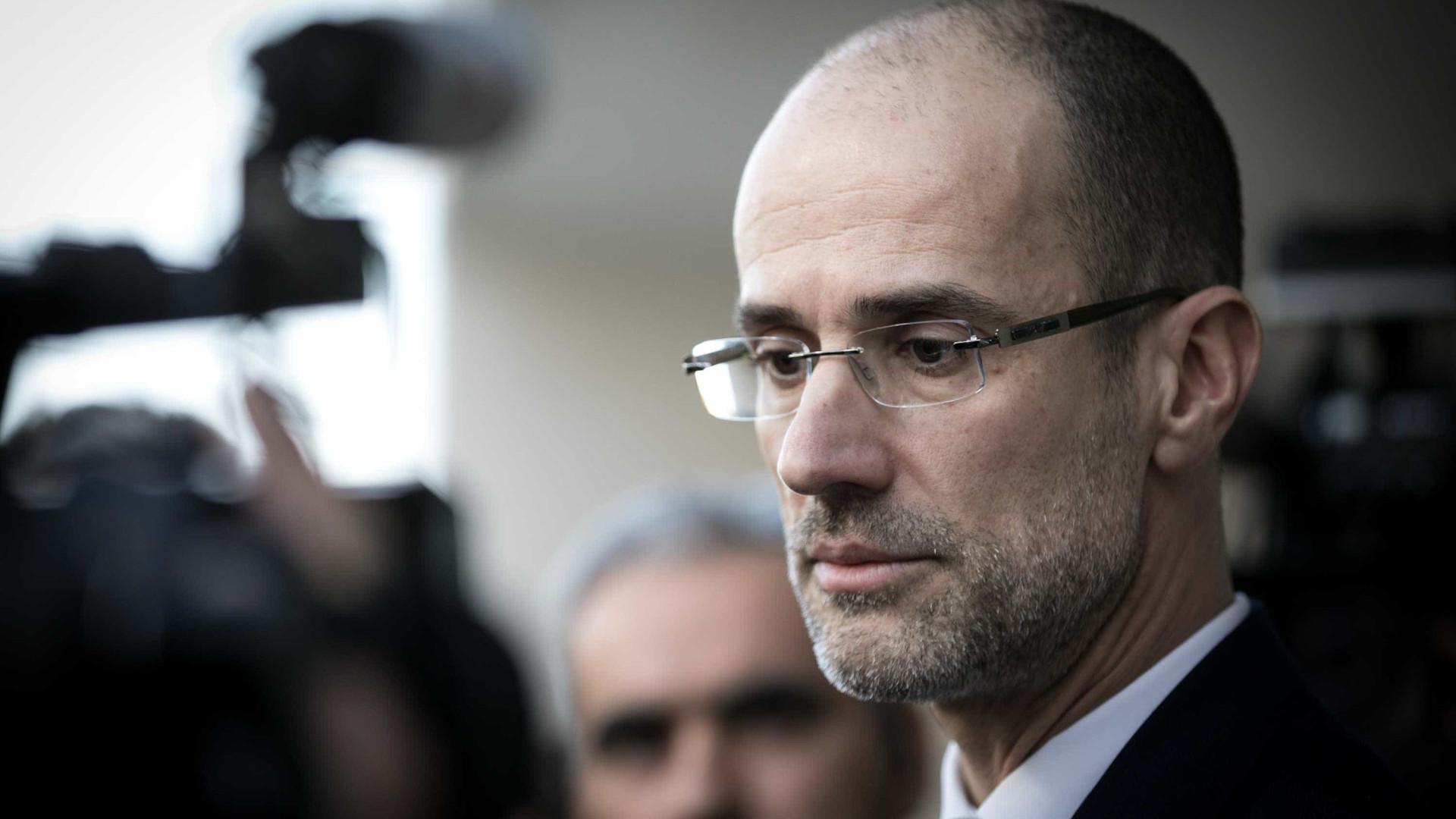 """Operação Fizz: Advogado de Manuel Vicente """"satisfeito com separação"""""""