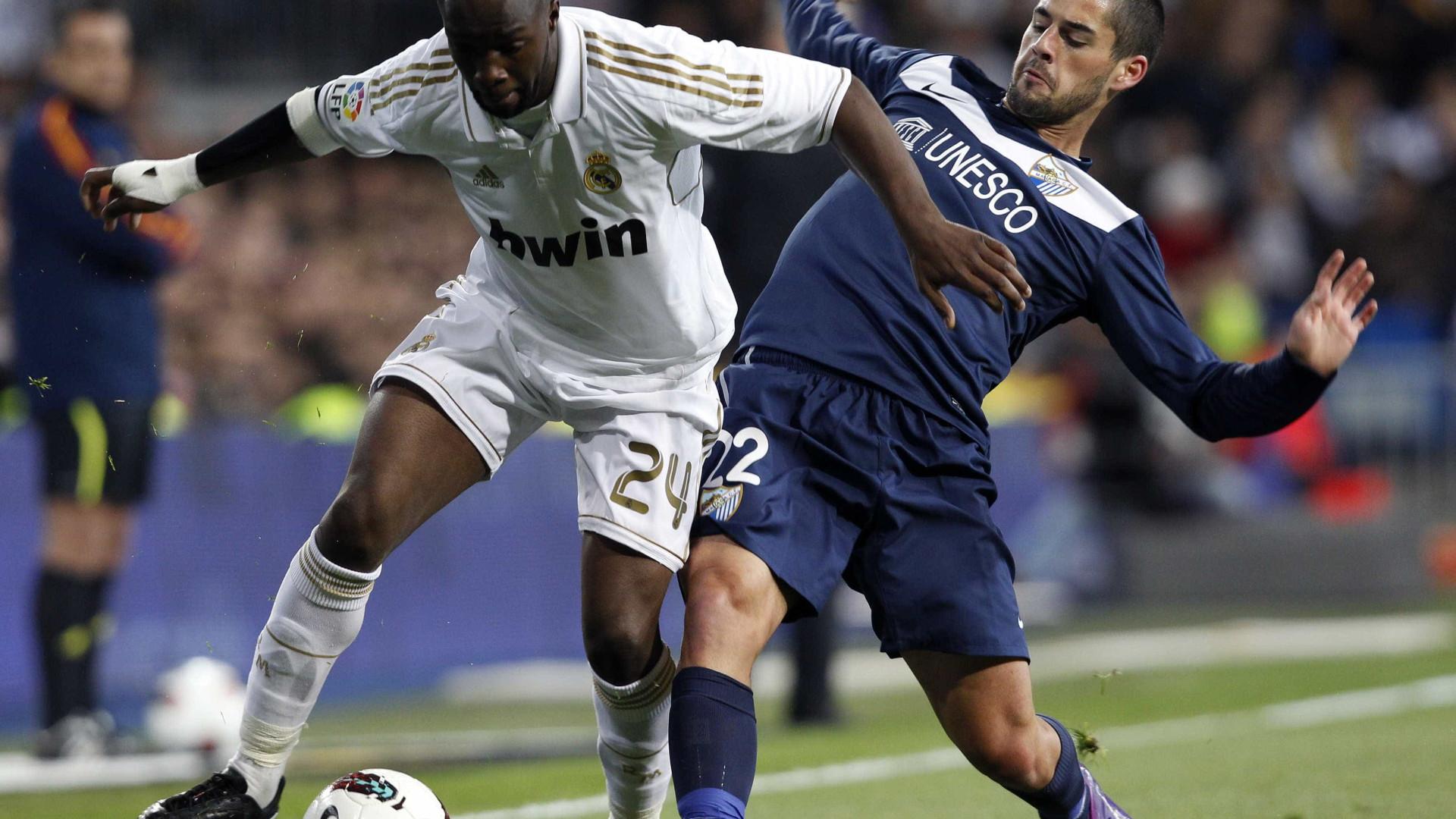 Lassana Diarra assina com o Paris Saint-Germain até Junho de 2019