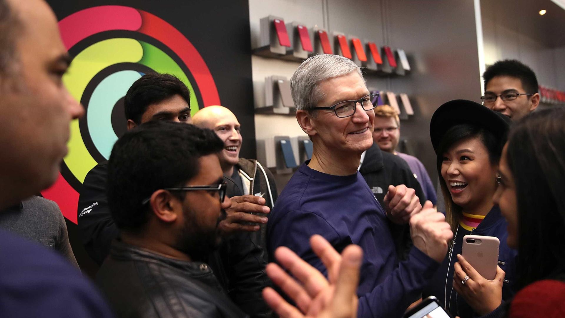 """""""Não quero o meu sobrinho nas redes sociais"""", diz CEO da Apple"""