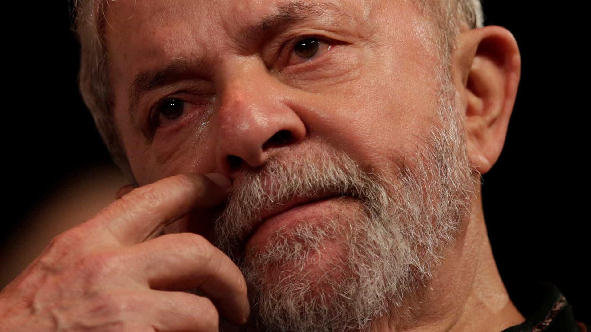 Maioria do Supremo vota a favor da detenção de Lula da Silva