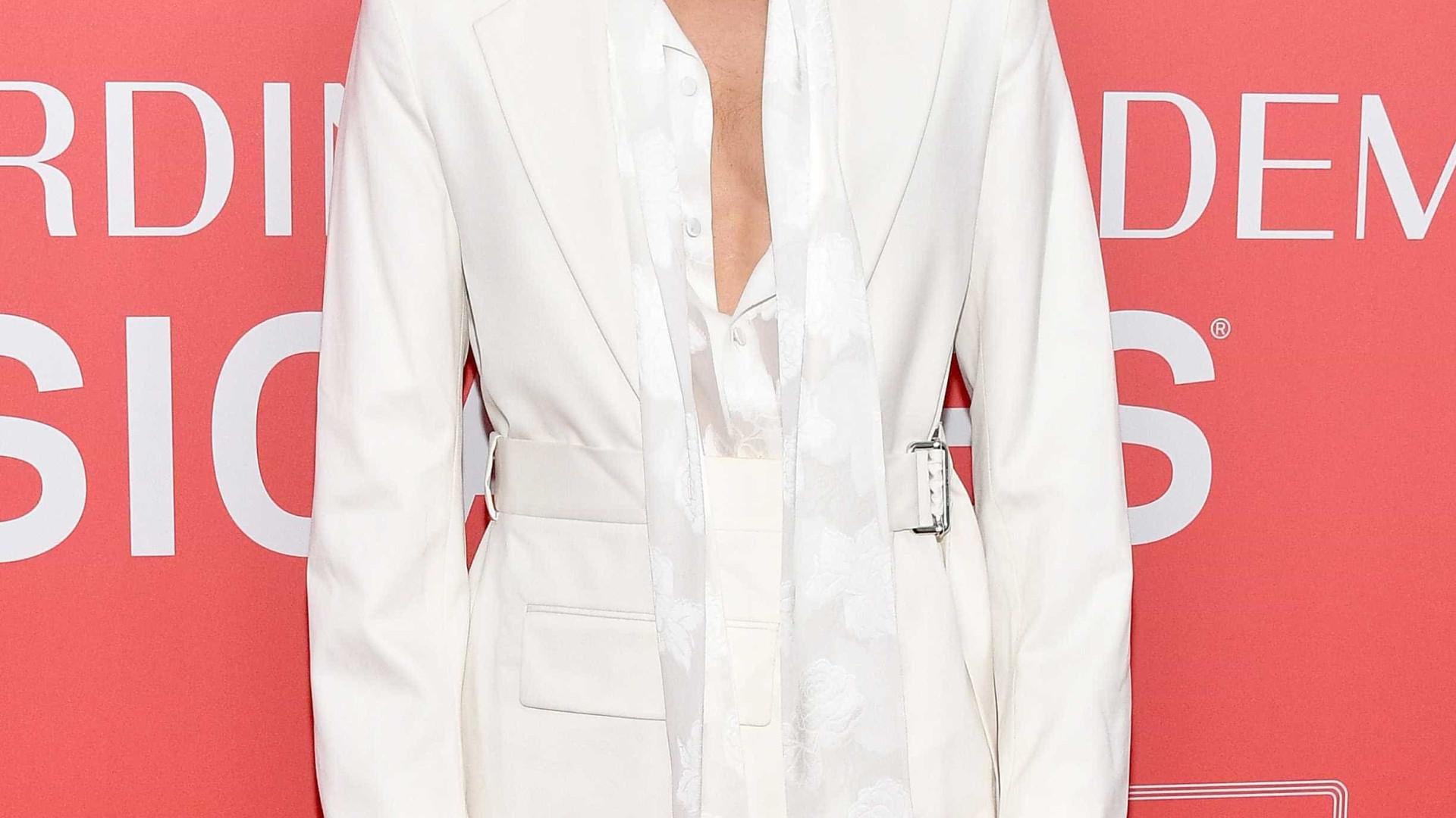 Eterno galã: Jared Leto 'lança charme' a jovens modelos