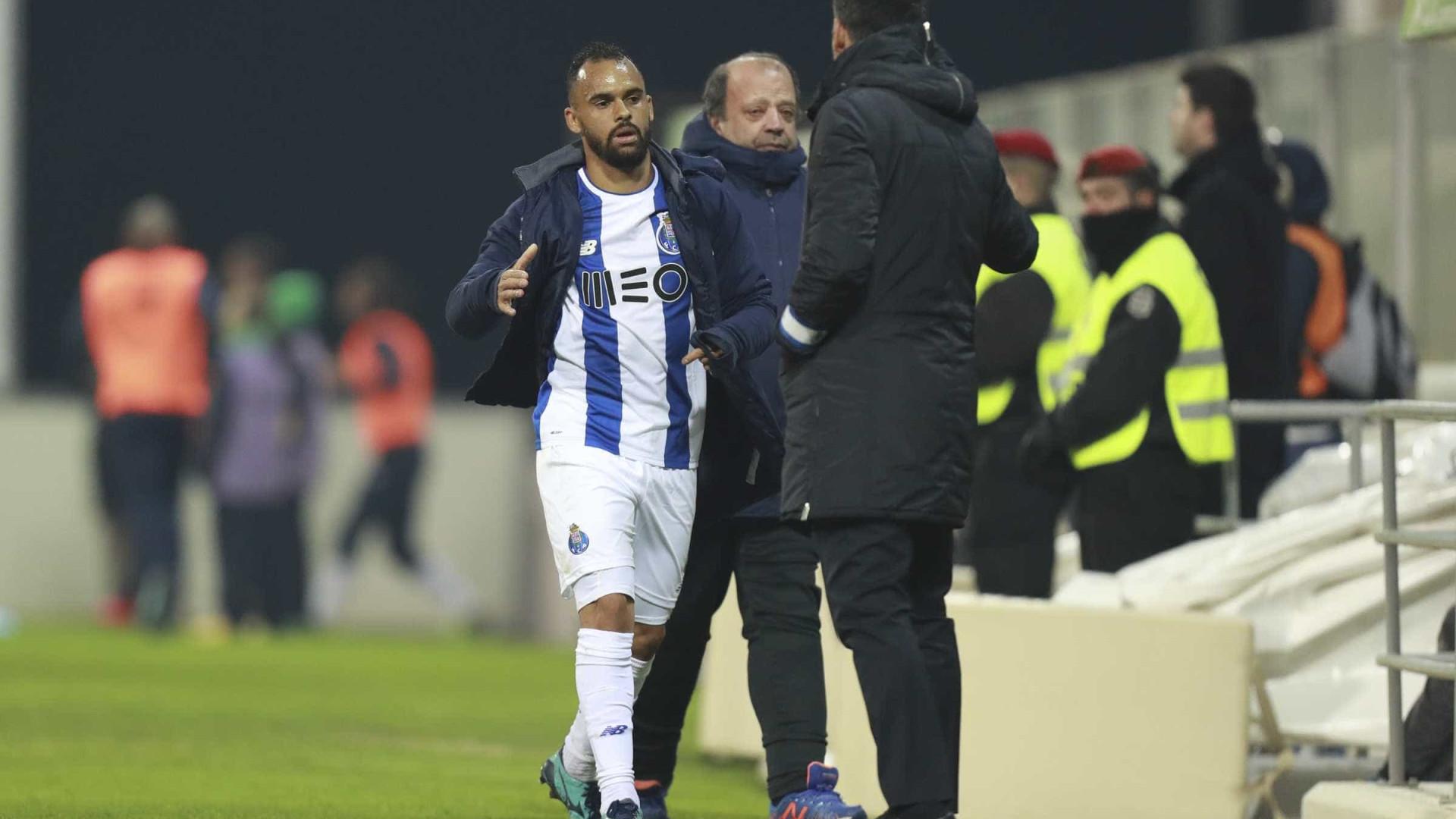 """Paulinho: """"Quero continuar no FC Porto"""""""