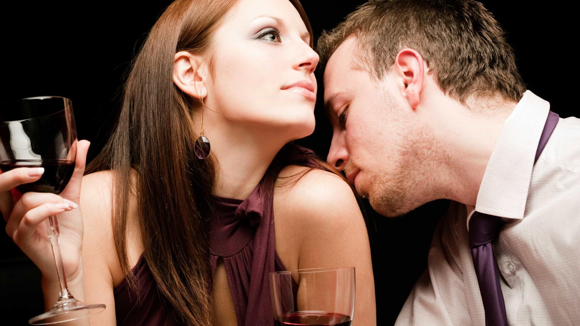 Dia dos namorados. Sexo antes do jantar. Saiba porquê…