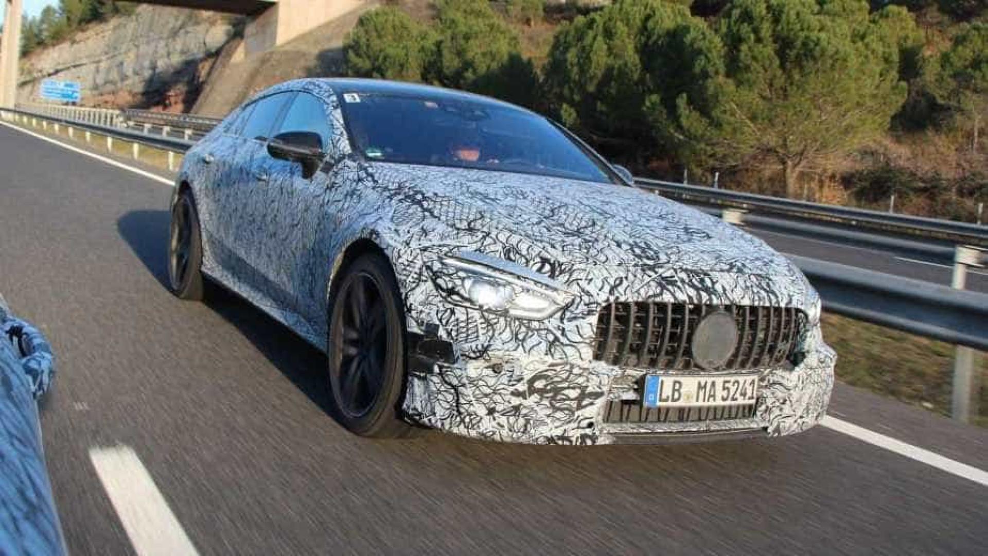 Mercedes-AMG 'destapa' GT Coupé que está prestes a chegar