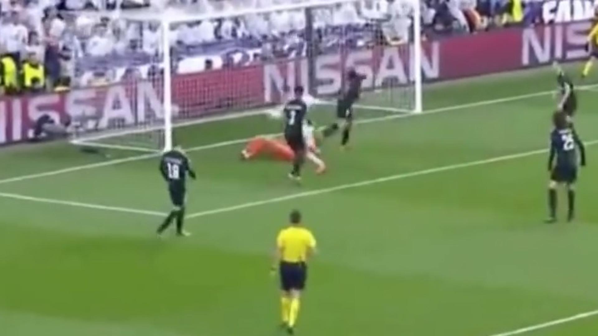 Cristiano Ronaldo até marca de... joelho