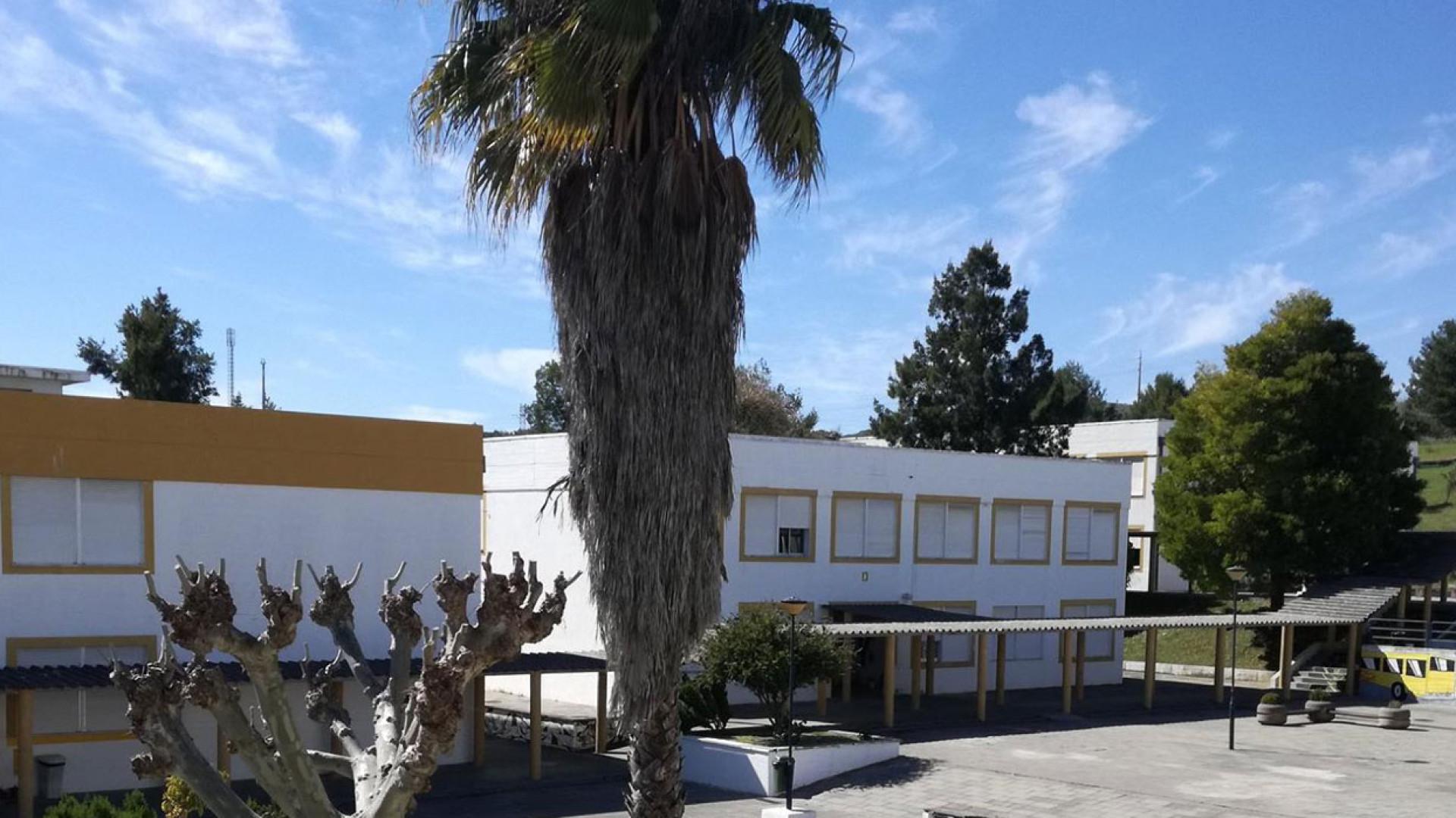 Escola do Forte da Casa fechada devido a protesto do pessoal não docente