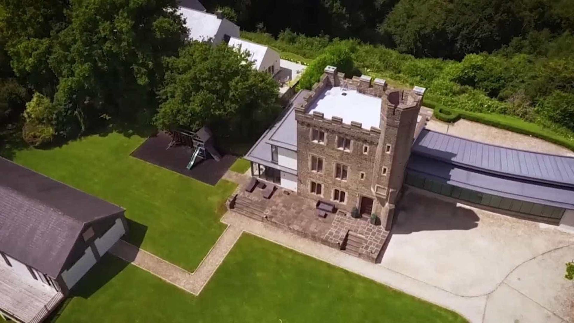 É possível comprar este castelo no País de Gales