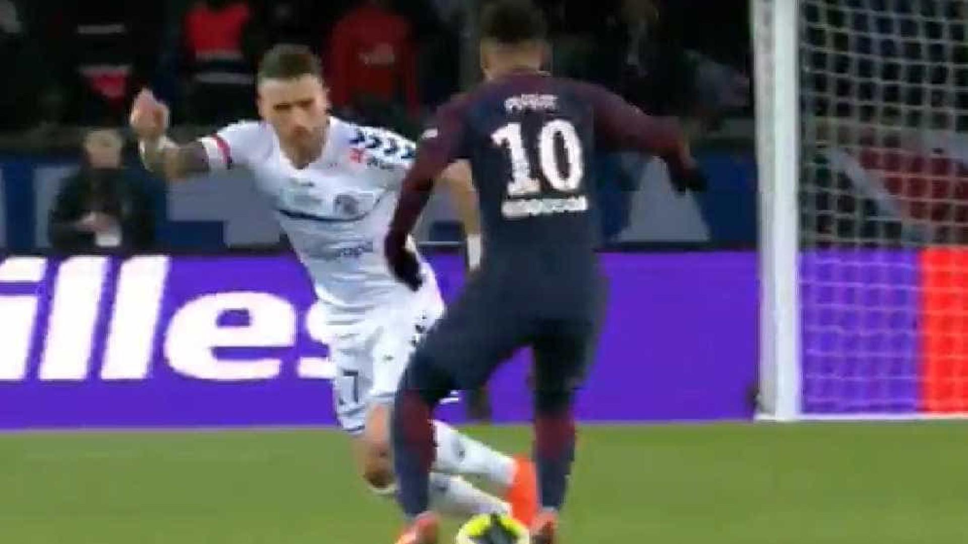Fantástico lance no PSG-Estrasburgo: Desta vez Neymar abusou