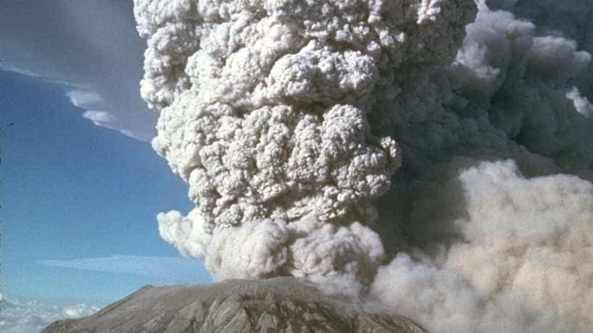 Guatemala anuncia construção de mil casas para afetados pelo vulcão