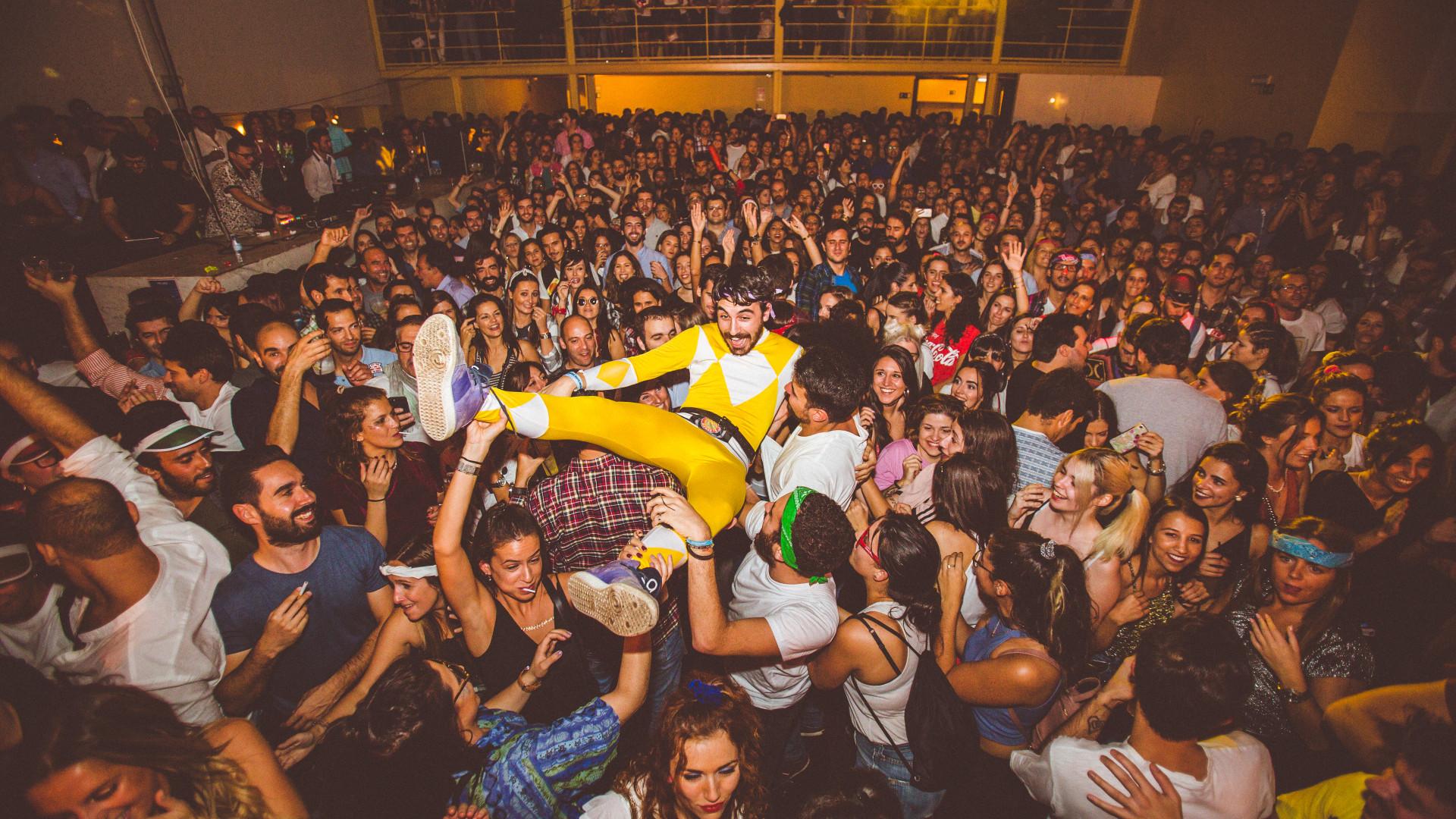 """Revenge of the 90's: As festas exclusivas """"para quem viveu nos anos 90"""""""