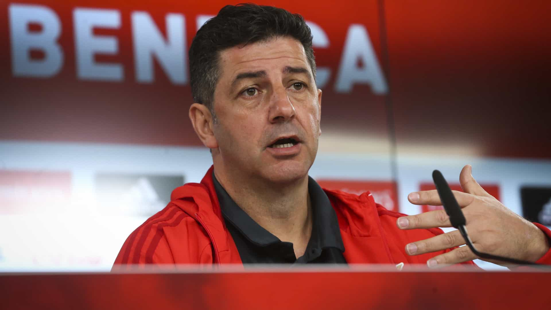 Benfica. Rui Vitória repete onze em Paços de Ferreira