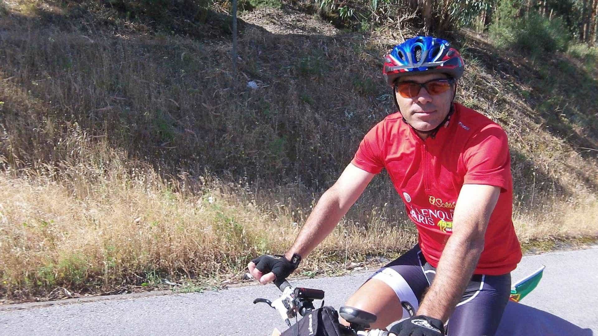 Português ruma à Rússia em bicicleta para apoiar a Seleção e a Acreditar