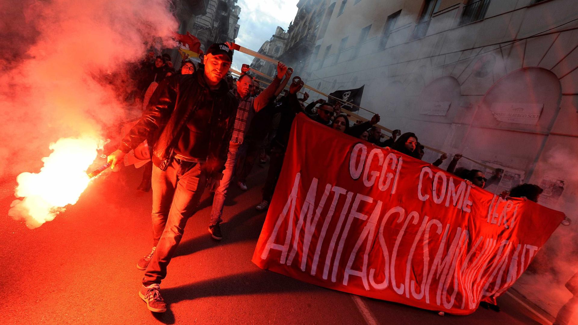 Em Itália foi dia de marchas de antifascistas e extrema-direta