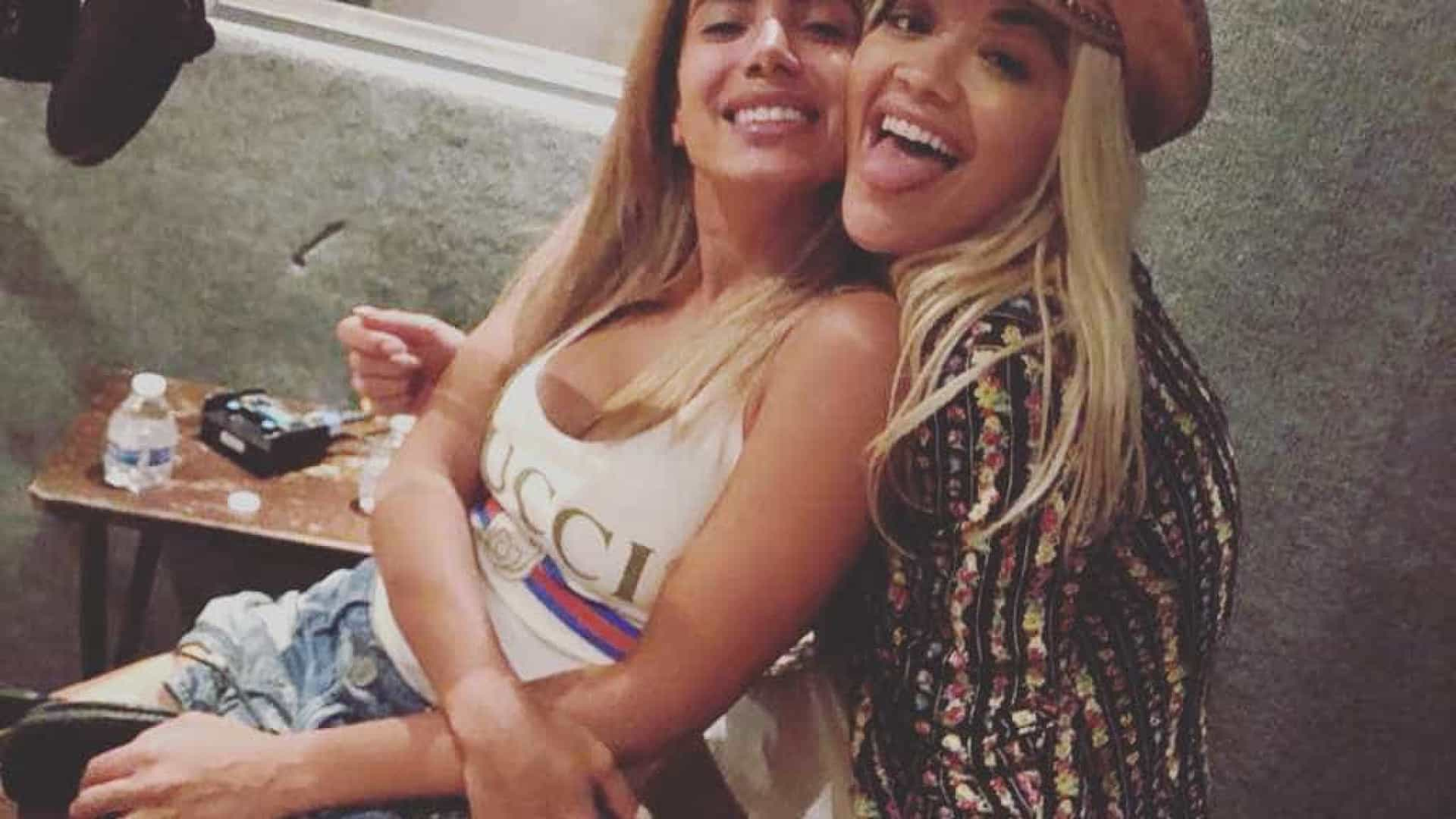 Fotos de Rita Ora e Anitta deixam fãs a 'delirar' com possível dueto