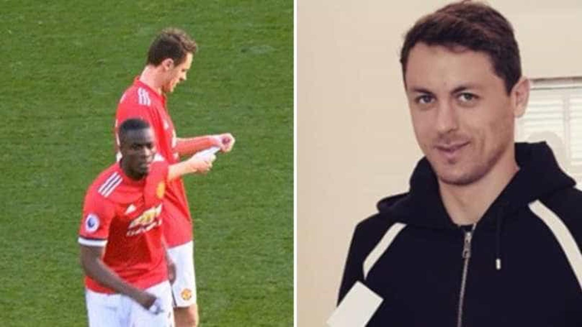 Matic recebeu papel de Mourinho e já  desvendou  a mensagem ce91b1111c5db