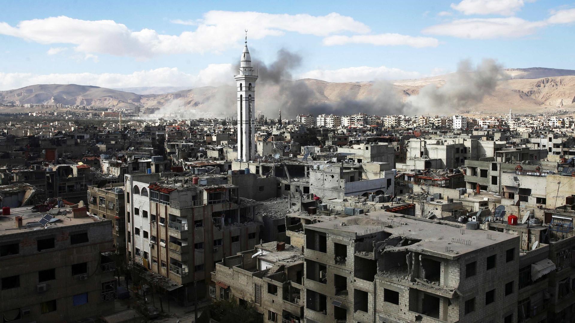 Imprensa diz que defesa aérea abateu mísseis. Israel nega envolvimento