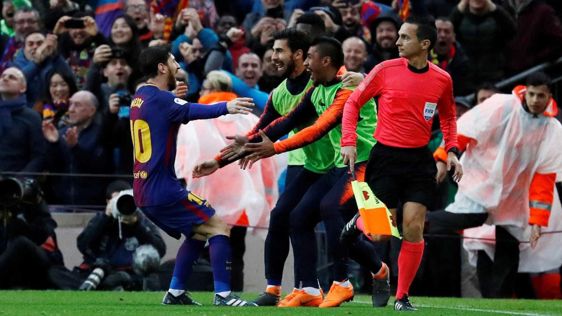 Magia de Lionel Messi resolve Clássico de emoções fortes 3fb47a08707ba