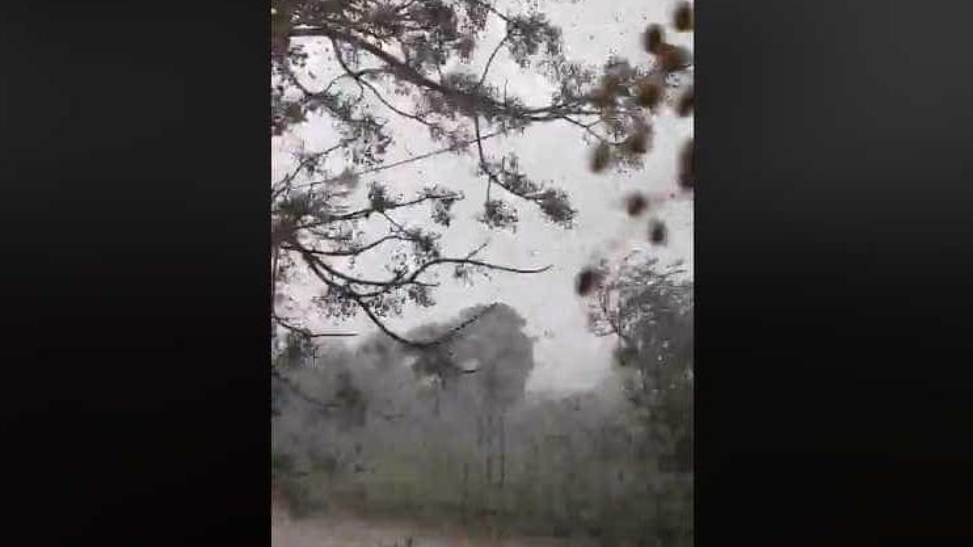 Marcelo acompanha efeitos do tornado e admite ir a Faro