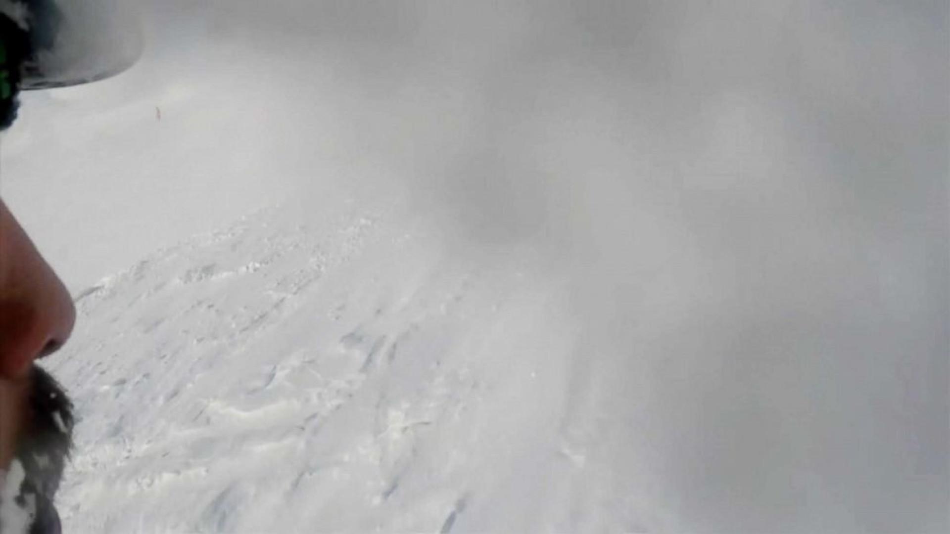 Esquiador escapa de avalanche por segundos e fica tudo gravado