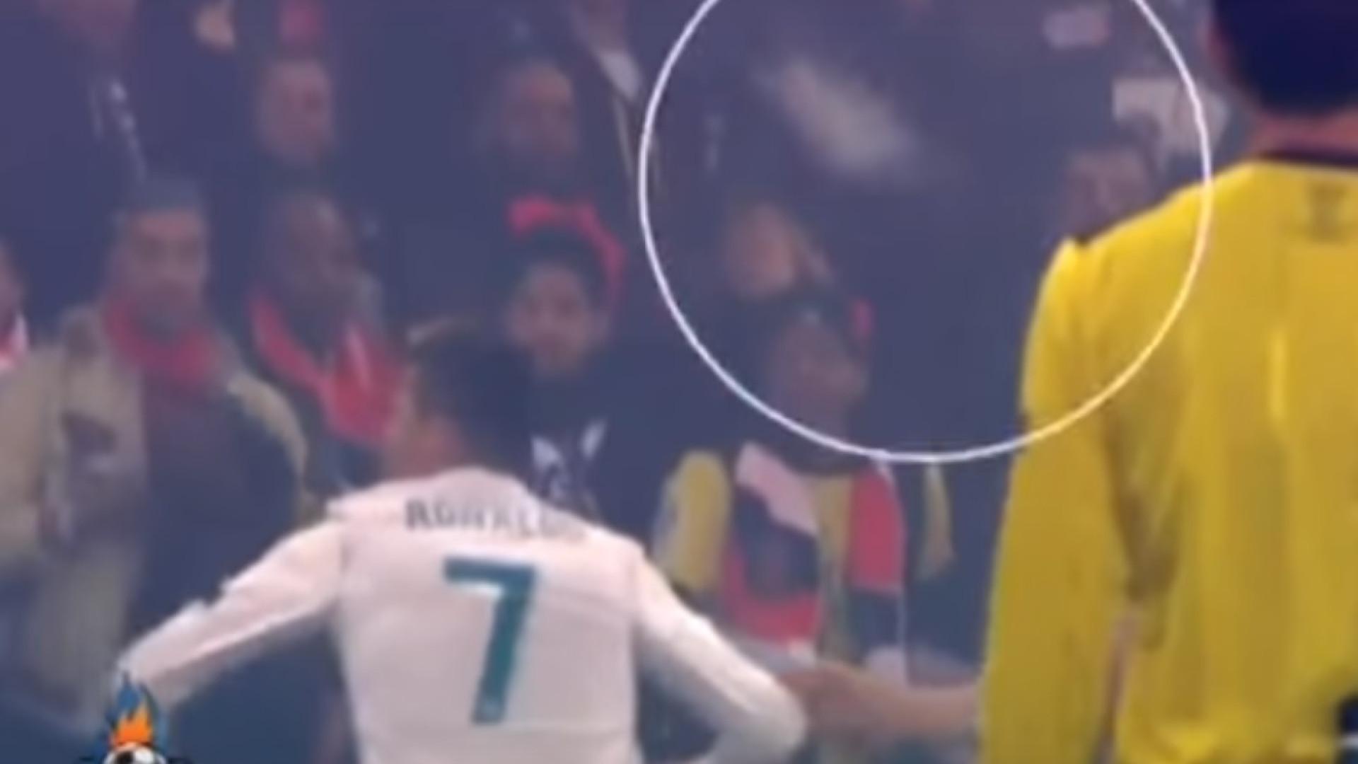 Foi por pouco que Ronaldo não levou com uma garrafa no PSG-Real Madrid