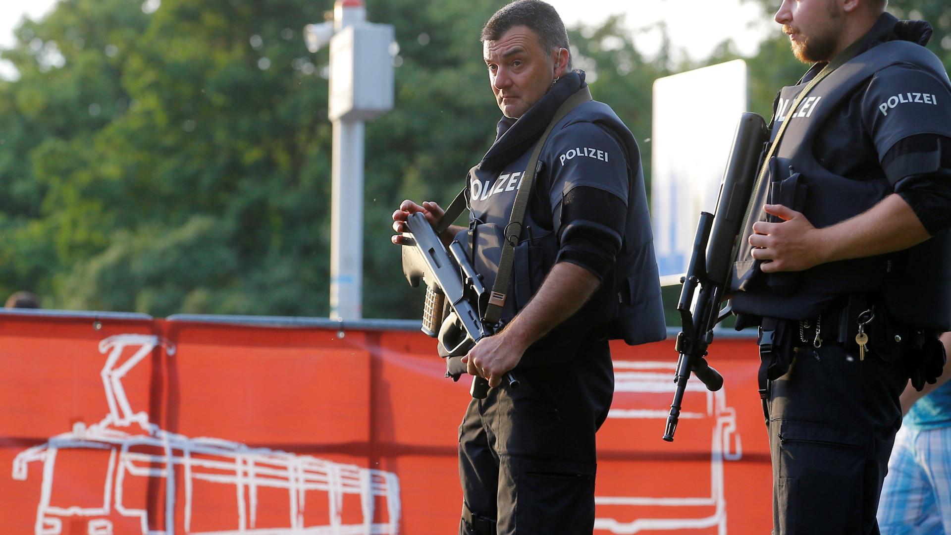 Áustria. Ataque com faca em Viena
