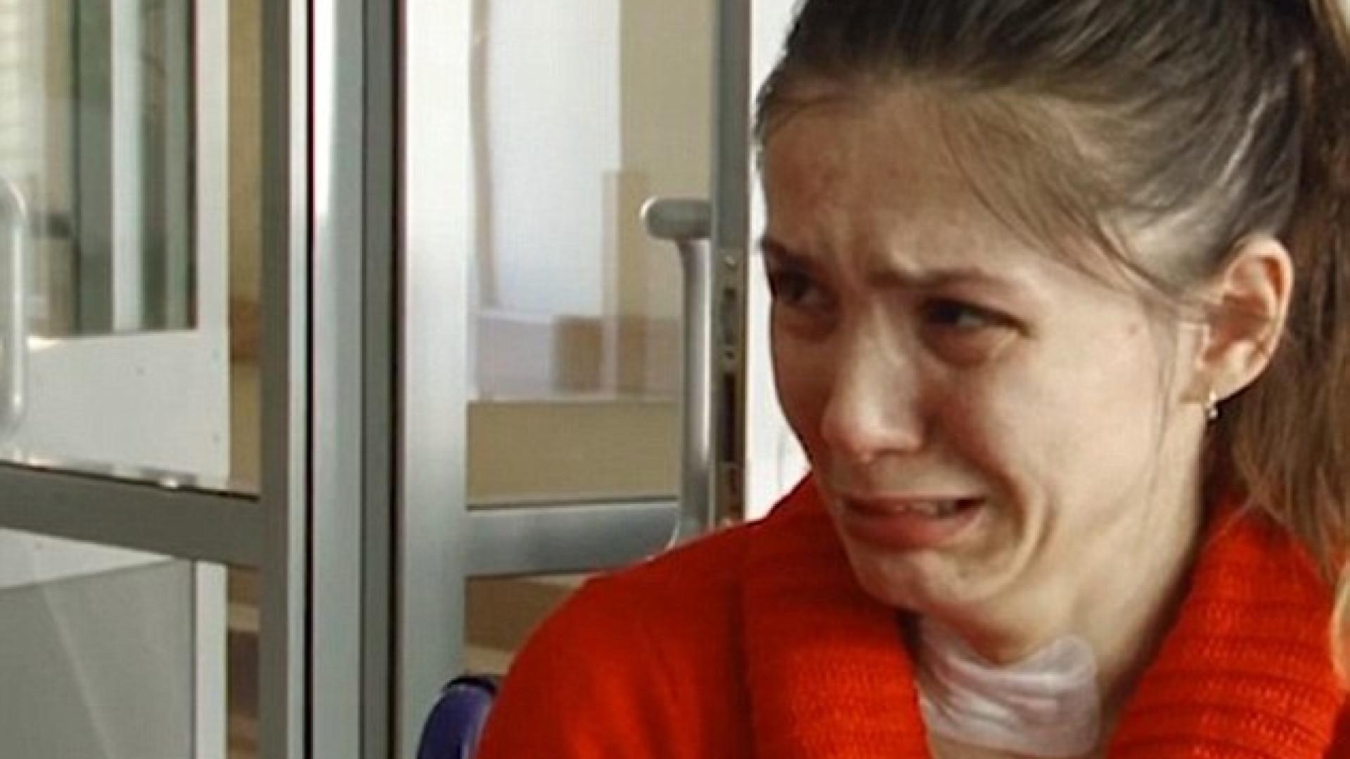 Mulher que perdeu a memória chora sempre que descobre que está divorciada