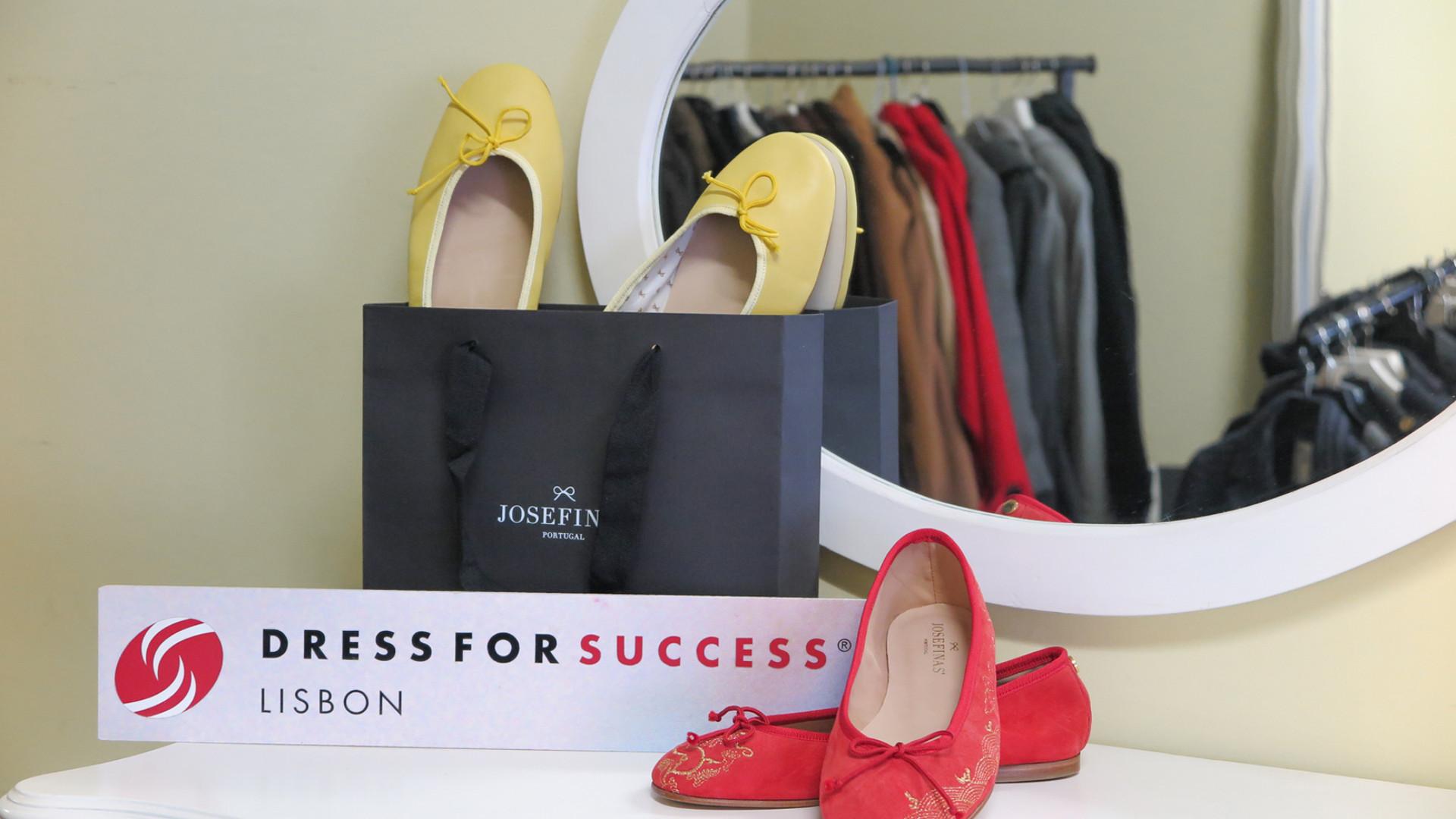 Josefinas ajuda 25 mulheres através da associação Dress for Success