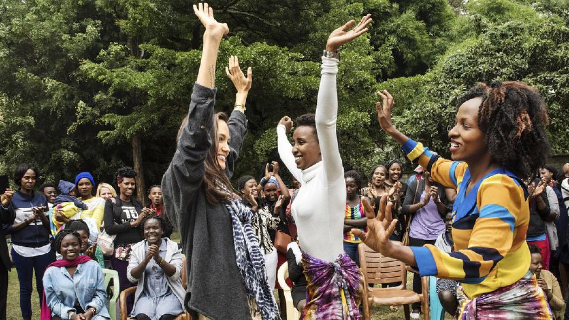 """Jolie sobre desfile de moda: """"As raparigas mais lindas, sobreviventes"""""""