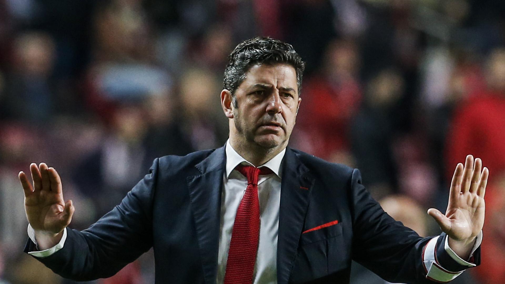 Benfica prepara duelo com o Feirense. Vitória chama quatro juniores