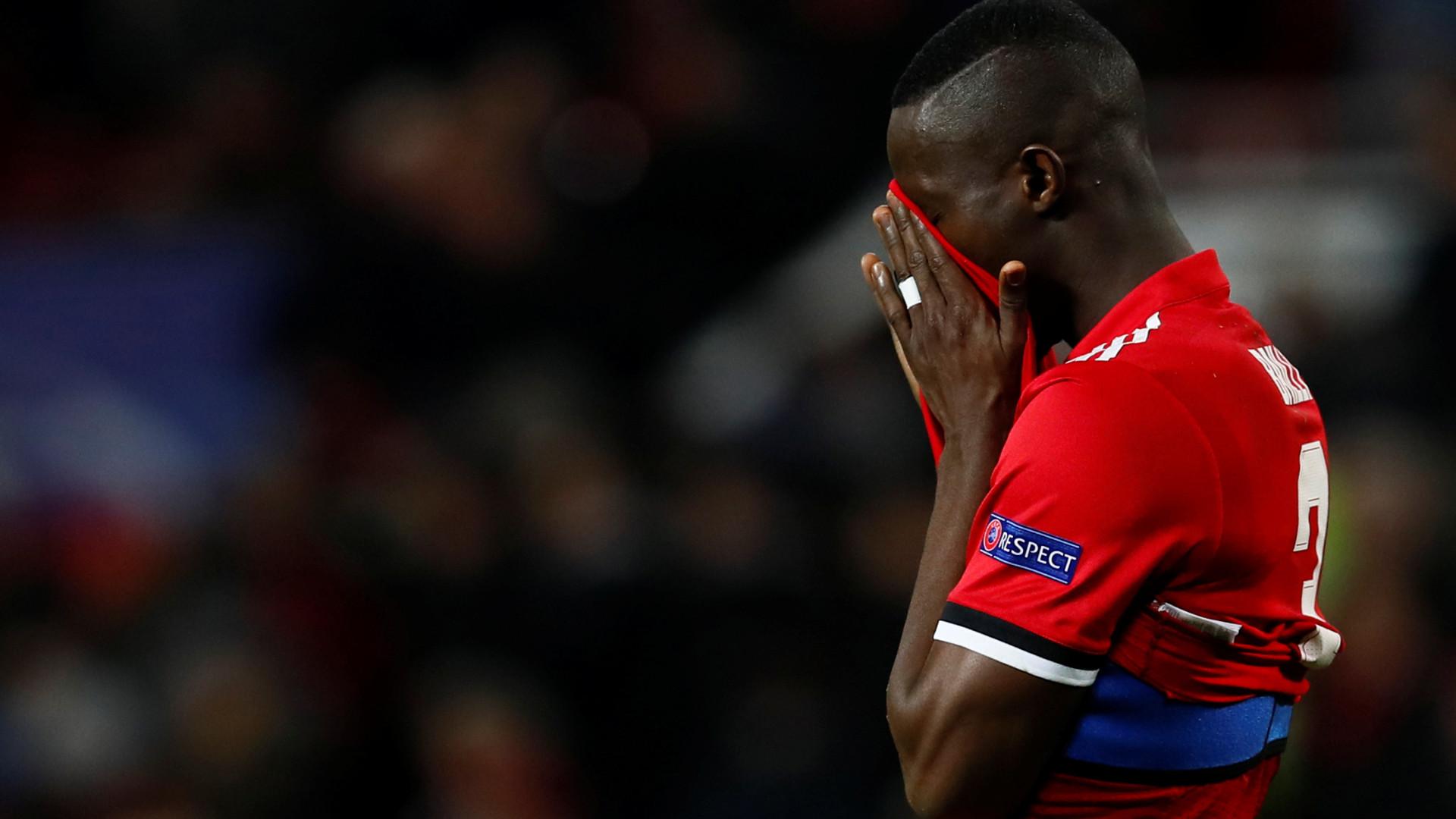 """Imprensa inglesa arrasa United e Mourinho: """"Lamentável"""" e """"desatroso"""""""