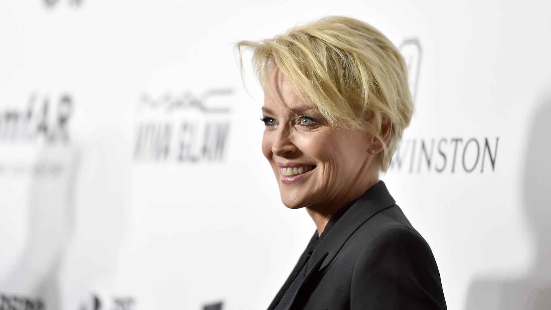Sharon Stone defende James Franco de acusações de assédio sexual