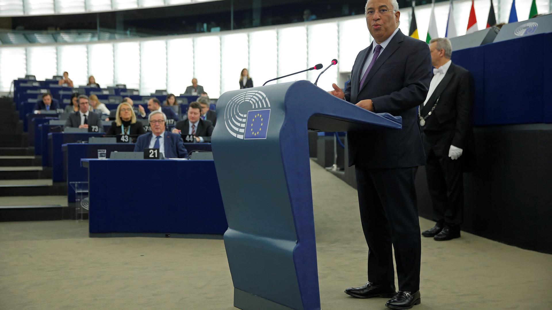 Costa lembra origem indiana para defender a tolerância na UE