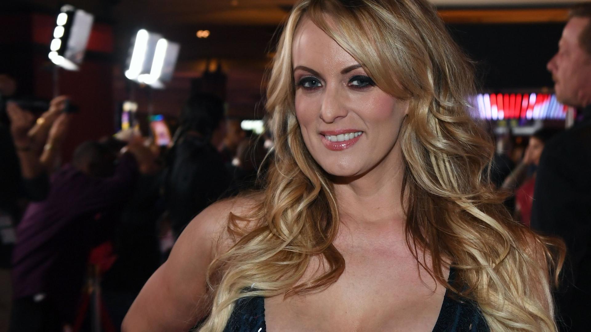 Estrela porno quer revelar pormenores da relação com Trump