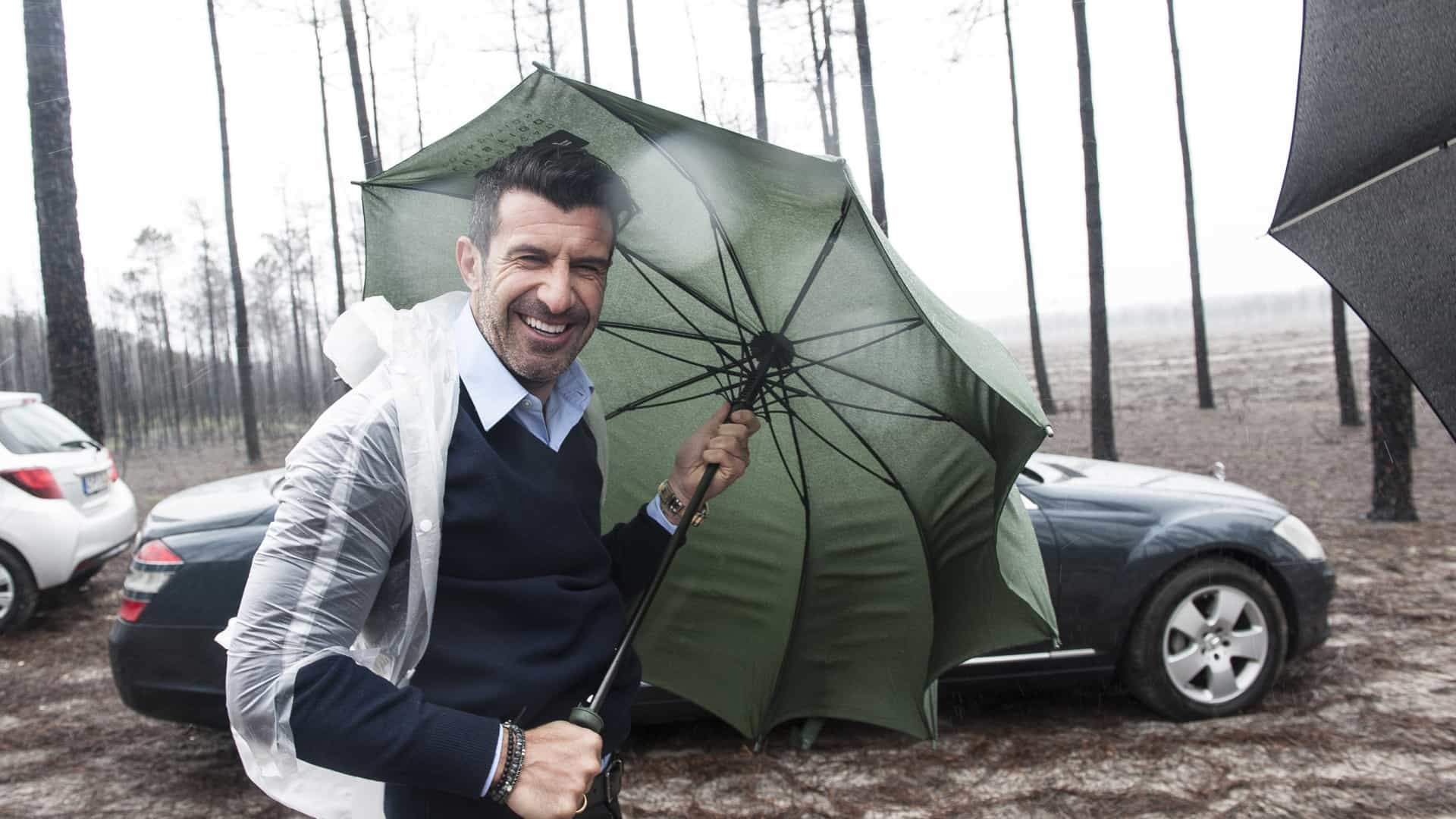 Temporal 'finta' Luís Figo e adia reflorestação no pinhal de Leiria