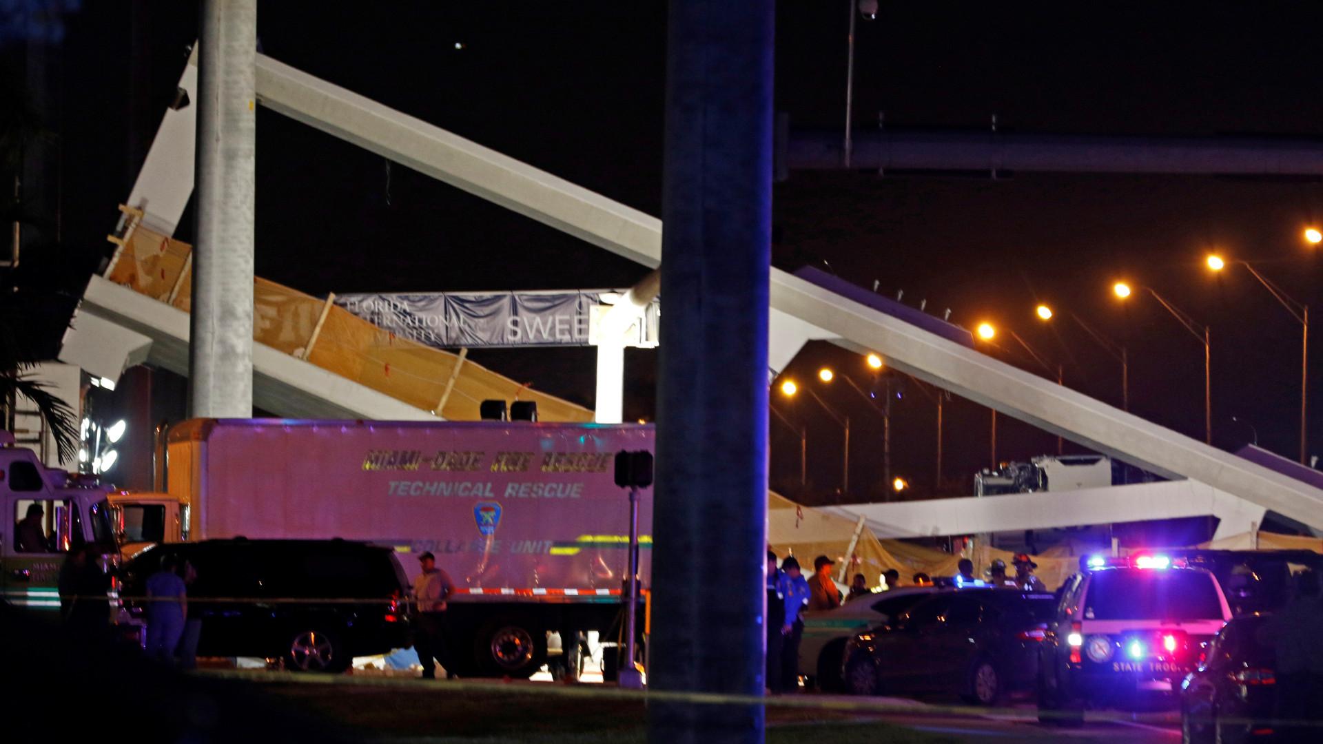 Ponte pedonal ruiu em Miami. Há relatos de feridos e mortos
