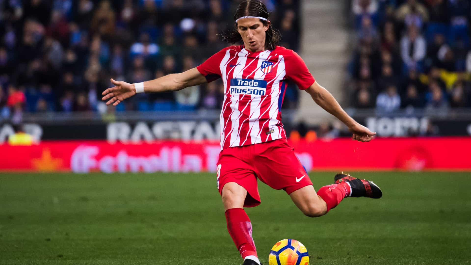 e3c8782c33 Atlético de Madrid desafia Filipe Luís