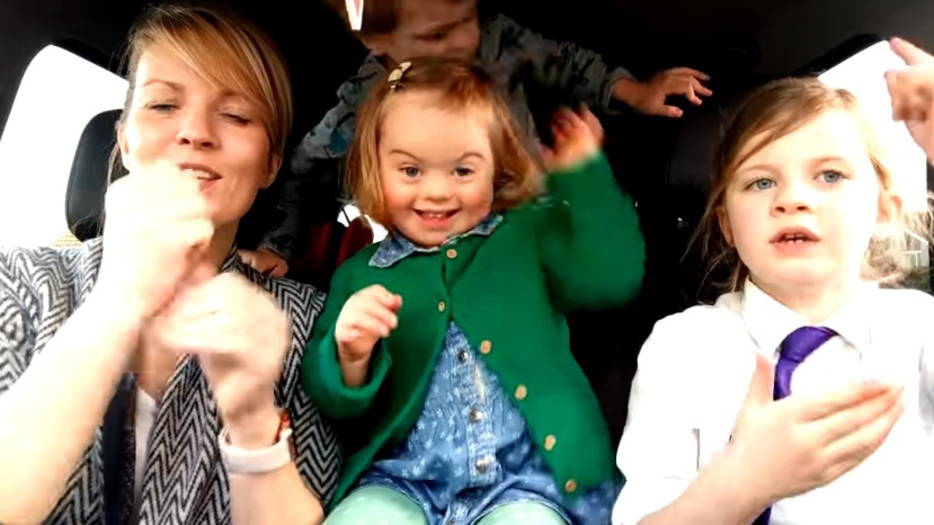Crianças com Síndrome de Down derretem corações em campanha