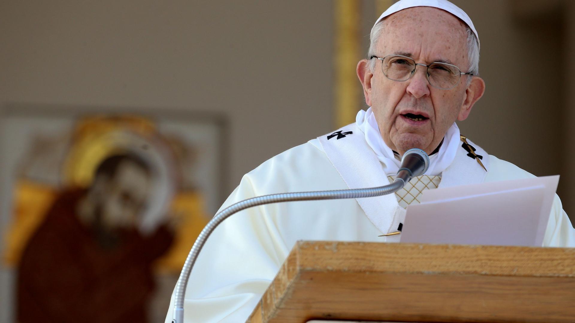 Papa defende estudo da história como reflexão sobre as guerras