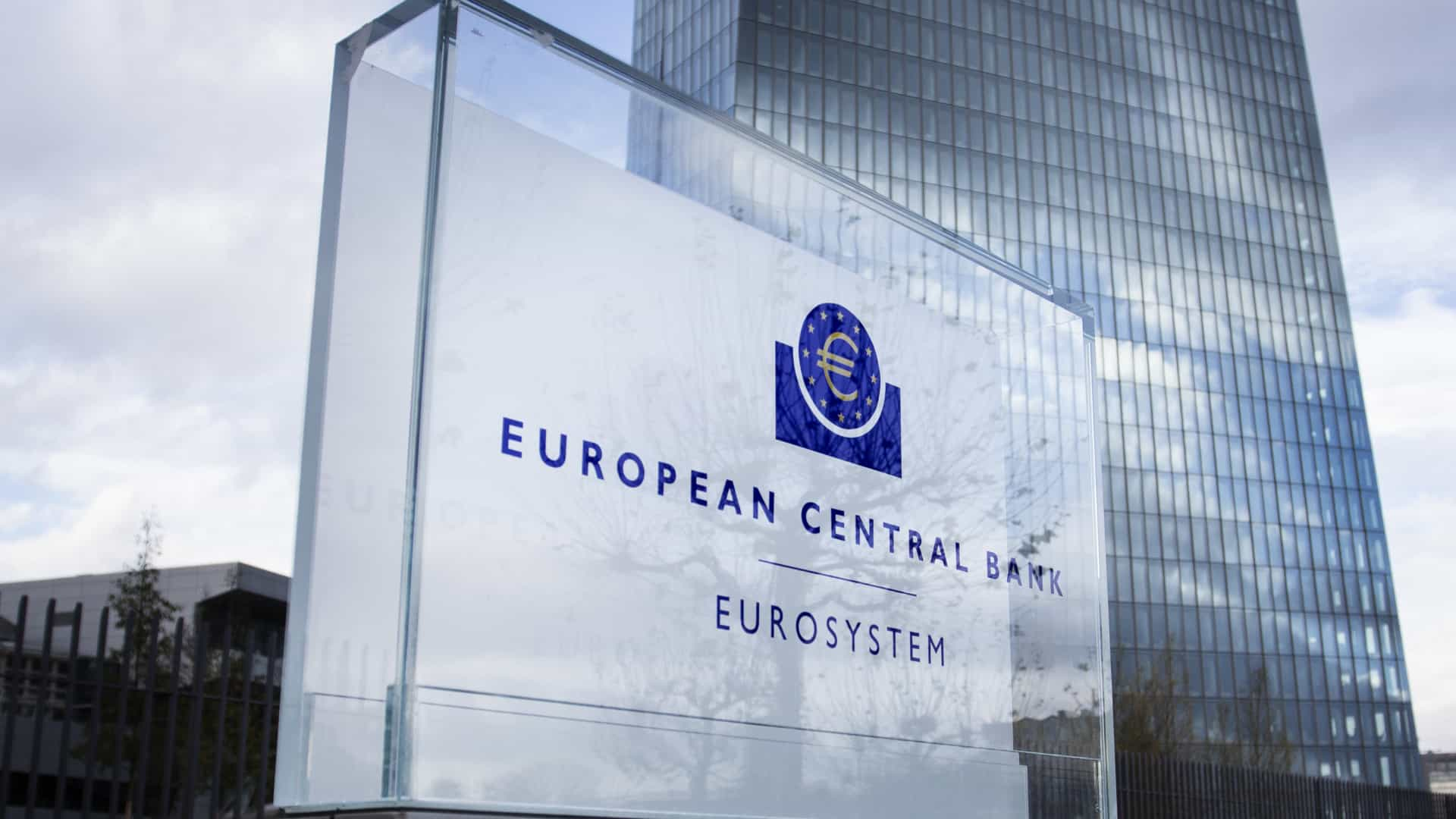 Bancos têm até 10 de setembro para comentar projeto de regulamentação