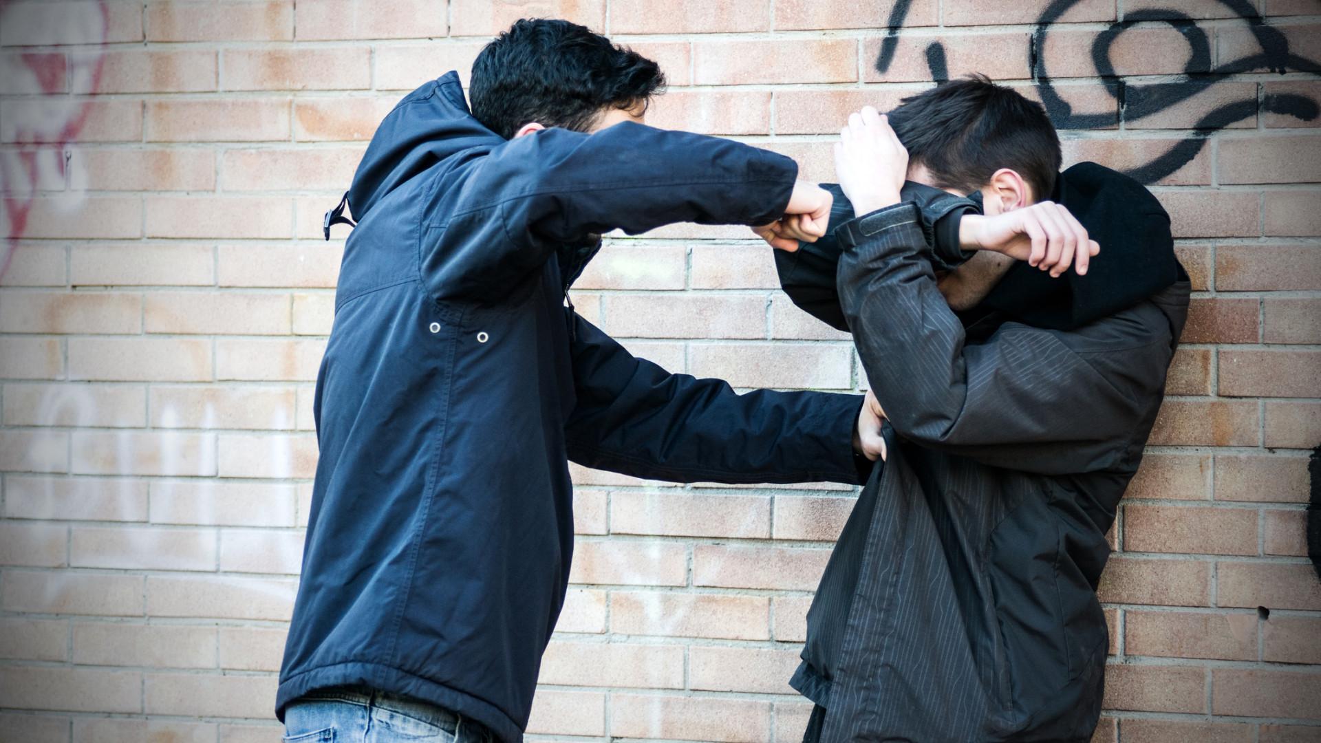Detidos suspeitos de agressão em estabelecimento de diversão noturna