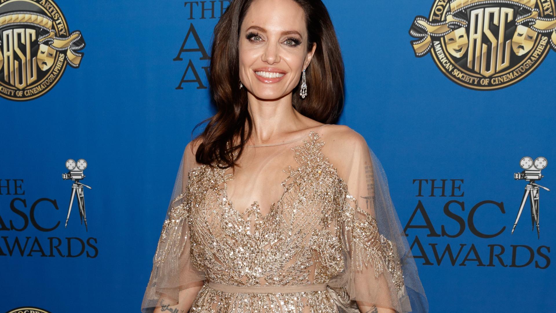 Angelina Jolie apaixonada por um colega de 'Maléfica 2'