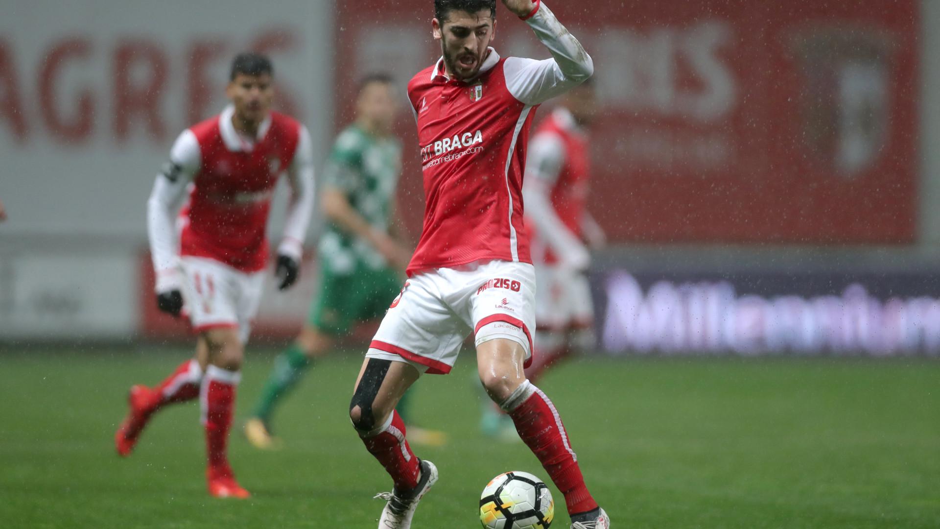 Sporting de Braga quer 'blindar' Paulinho contra tentações do estrangeiro