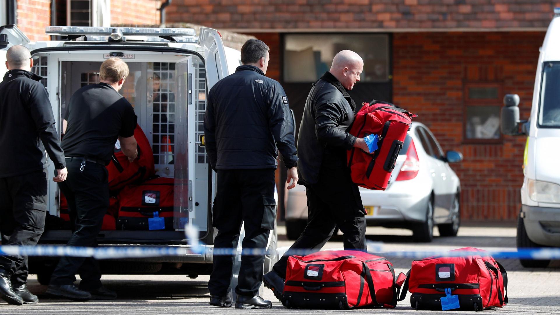 Polícia contaminado pela agente usado contra ex-espião deixou hospital