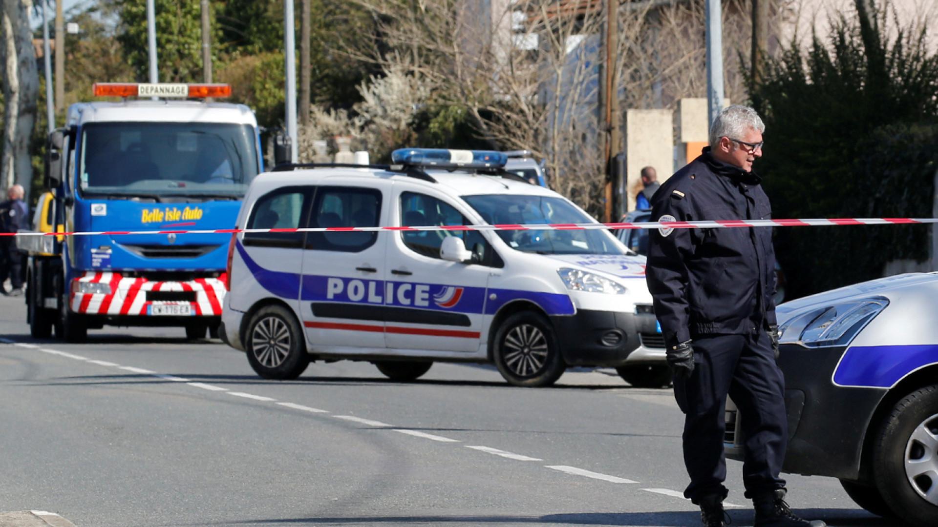 Sequestro num supermercado em França faz vários mortos. Português ferido
