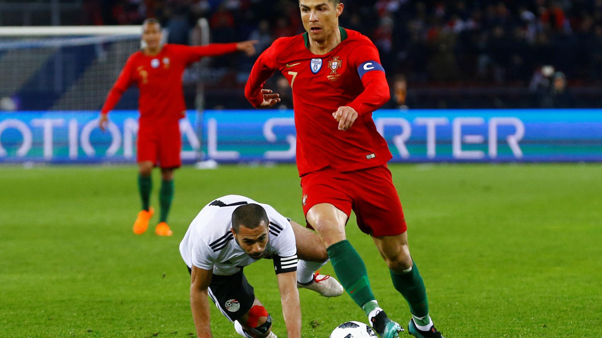 7c0214d84d  Faraó  Ronaldo derrubou as  pirâmides  ao cair do pano