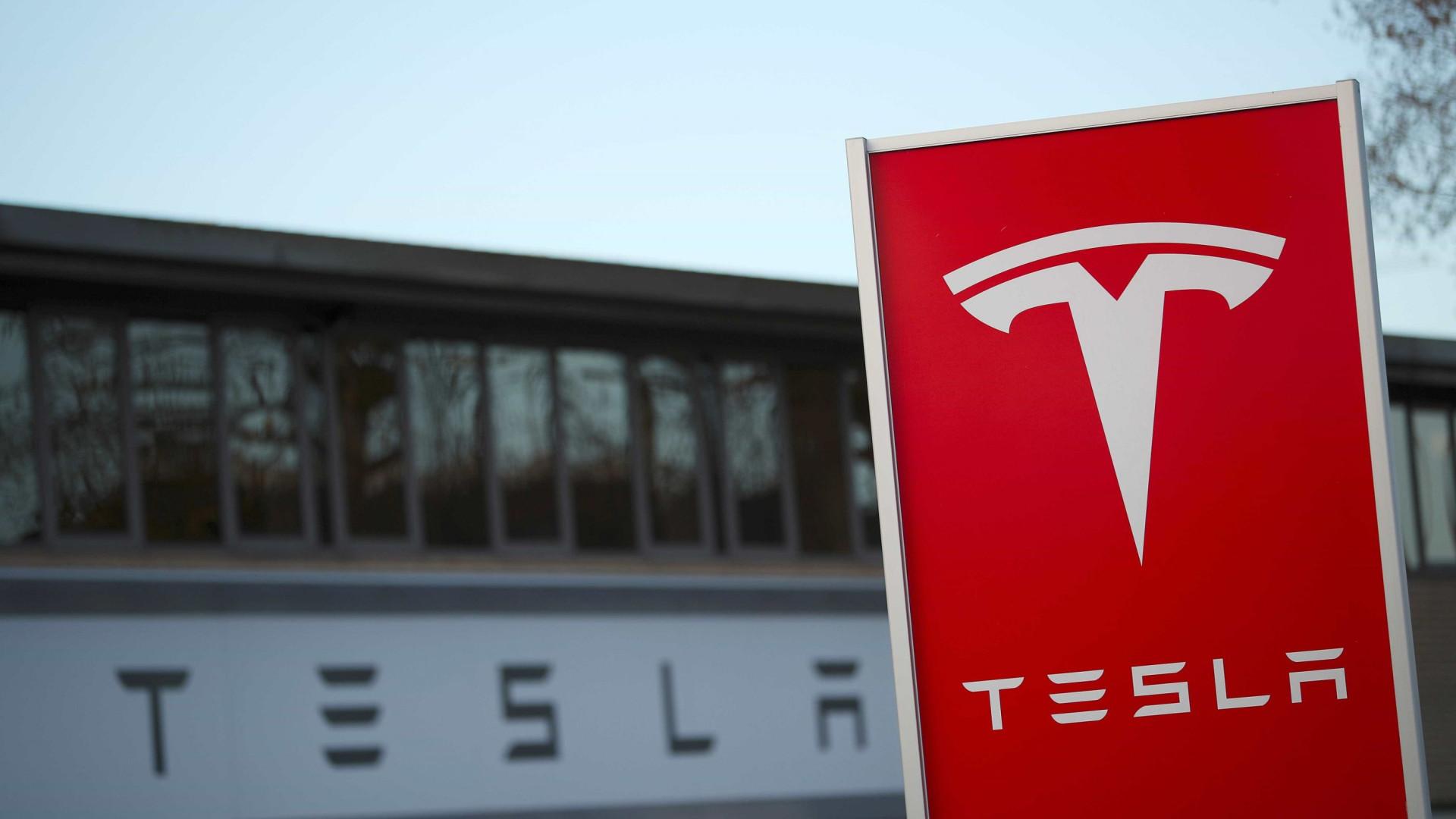 Airbags defeituosos levam Tesla a recolher mais de 14 mil carros na China
