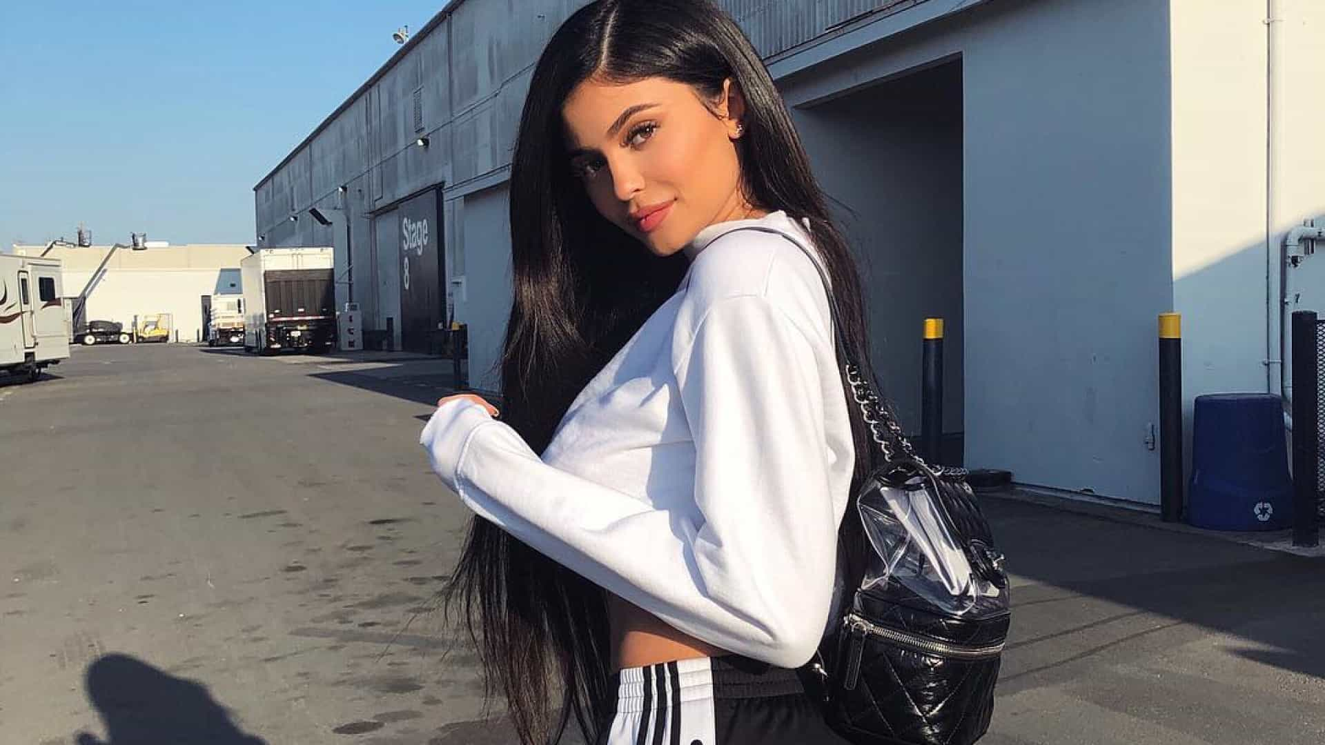 Kylie Jenner apresenta novo membro da família